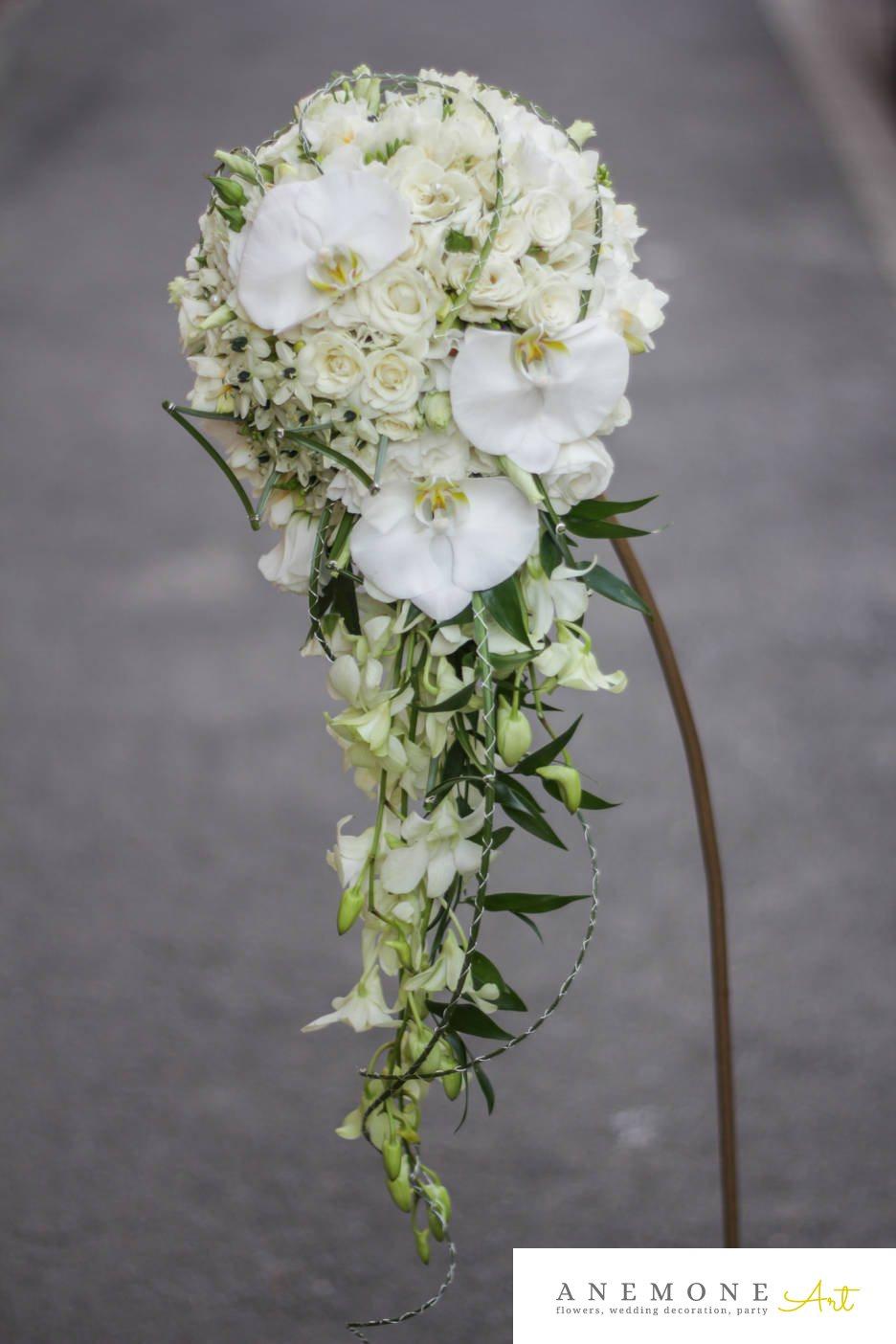 Poza, foto cu Flori de nunta alb, buchet mireasa, curgator, lisianthus, mini-rosa, orhidee, ornitogallum, trandafiri in Arad, Timisoara, Oradea (wedding flowers, bouquets) nunta Arad, Timisoara, Oradea