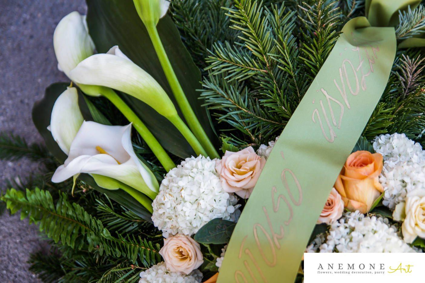 Poza, foto cu Flori de nunta alb, calla, coroana funerara, hortensia, piersica, trandafiri in Arad, Timisoara, Oradea (wedding flowers, bouquets) nunta Arad, Timisoara, Oradea