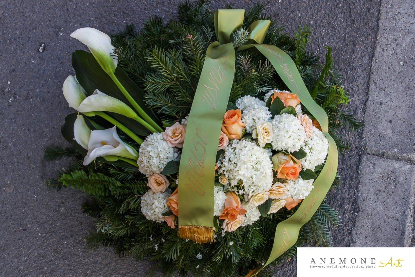 Poza, foto cu Flori de nunta alb, calla, coroana funerara, hortensia, mini-rosa, piersica, trandafiri in Arad, Timisoara, Oradea (wedding flowers, bouquets) nunta Arad, Timisoara, Oradea