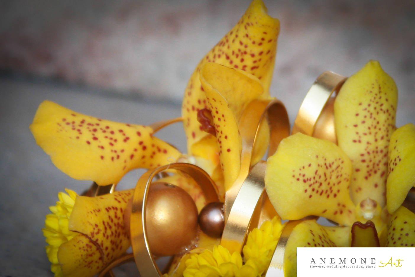 Poza, foto cu Flori de nunta aranjament par, auriu, galben, orhidee, perle in Arad, Timisoara, Oradea (wedding flowers, bouquets) nunta Arad, Timisoara, Oradea