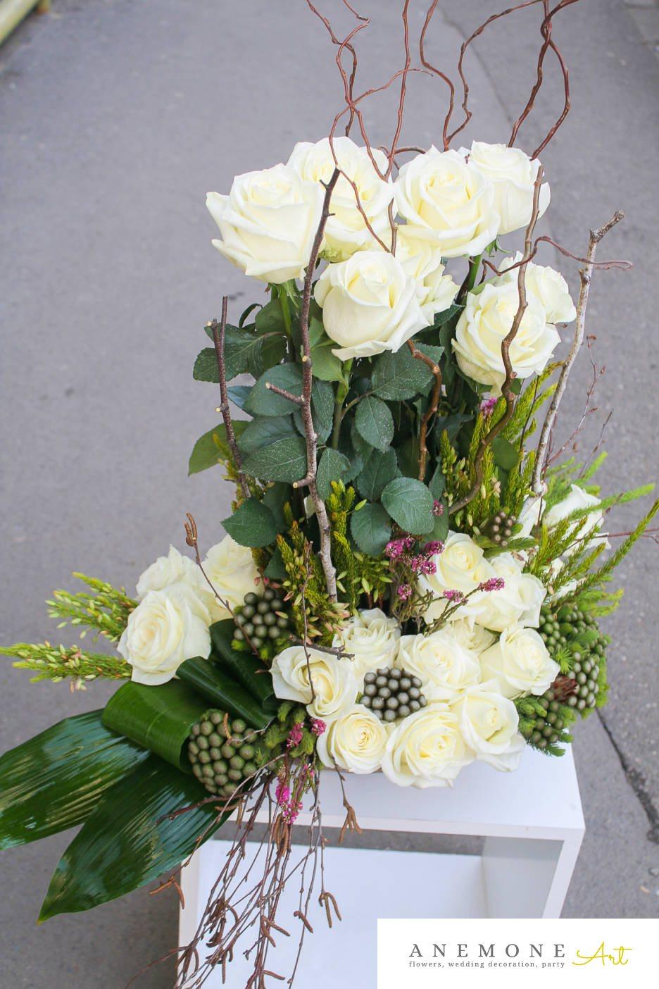 Poza, foto cu Flori de nunta alb, crengi, decor masa, trandafiri in Arad, Timisoara, Oradea (wedding flowers, bouquets) nunta Arad, Timisoara, Oradea