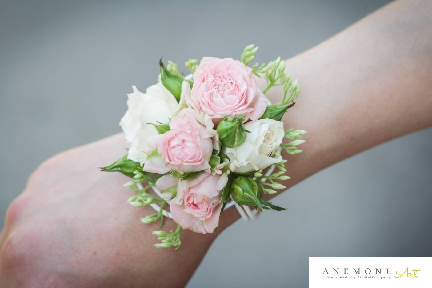 Poza, foto cu Flori de nunta alb, bratara, mini-rosa, roz in Arad, Timisoara, Oradea (wedding flowers, bouquets) nunta Arad, Timisoara, Oradea