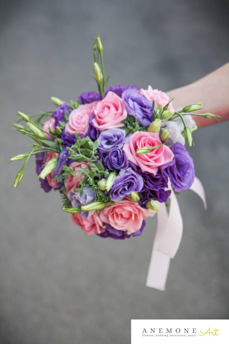 Poza, foto cu Flori de nunta buchet domnisoara, lisianthus, mov, roz, trandafiri in Arad, Timisoara, Oradea (wedding flowers, bouquets) nunta Arad, Timisoara, Oradea