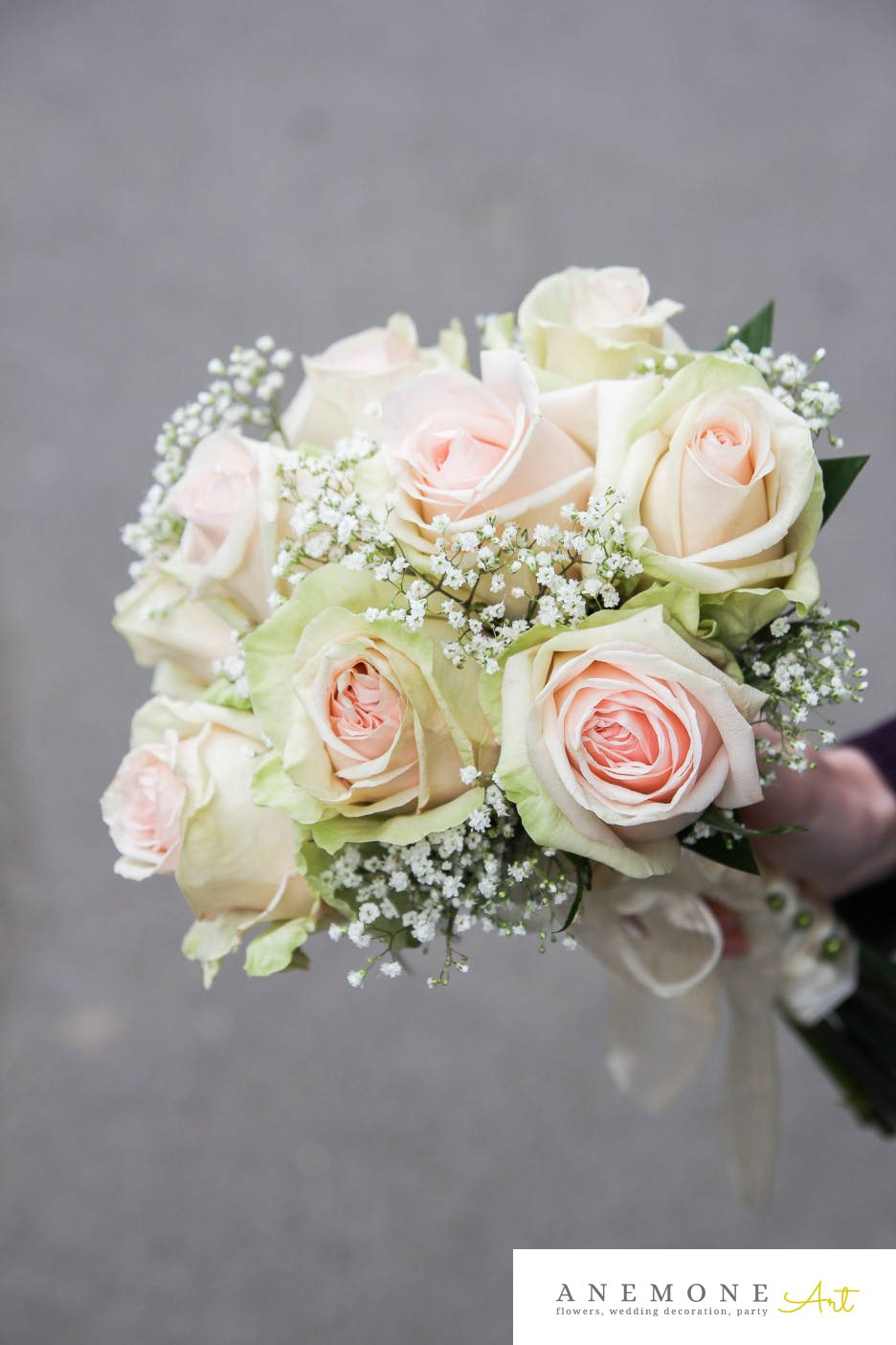 Poza, foto cu Flori de nunta alb, buchet domnisoara, gipsofila, roz, trandafiri in Arad, Timisoara, Oradea (wedding flowers, bouquets) nunta Arad, Timisoara, Oradea