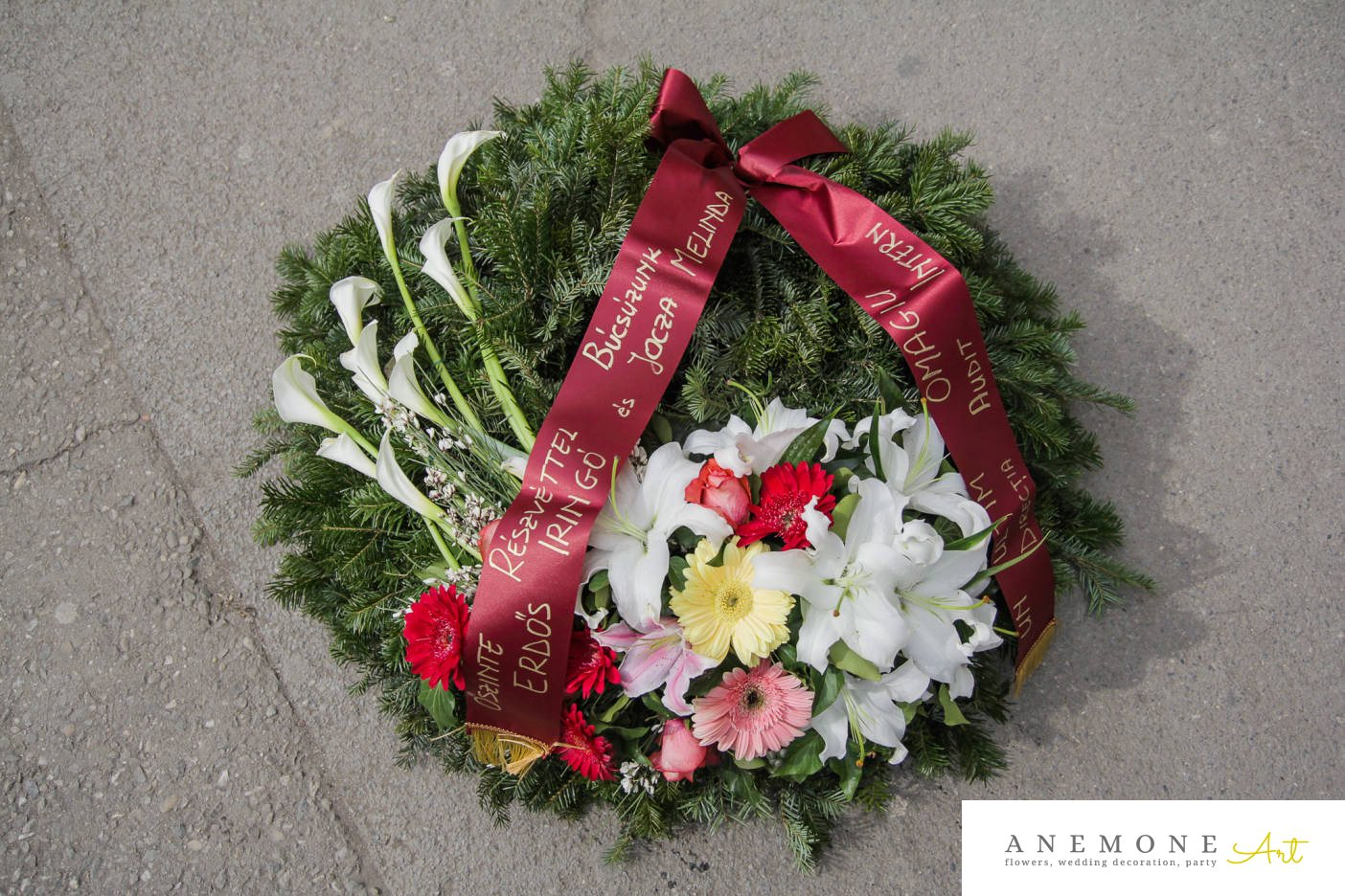 Poza, foto cu Flori de nunta calla, coroana funerara, crin, garoafe, gerbera, multicolor, trandafiri in Arad, Timisoara, Oradea (wedding flowers, bouquets) nunta Arad, Timisoara, Oradea