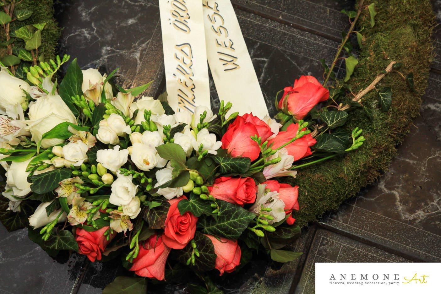 Poza, foto cu Flori de nunta alstroemeria, coroana funerara, frezii, lisianthus, muschi, rotund, trandafiri in Arad, Timisoara, Oradea (wedding flowers, bouquets) nunta Arad, Timisoara, Oradea