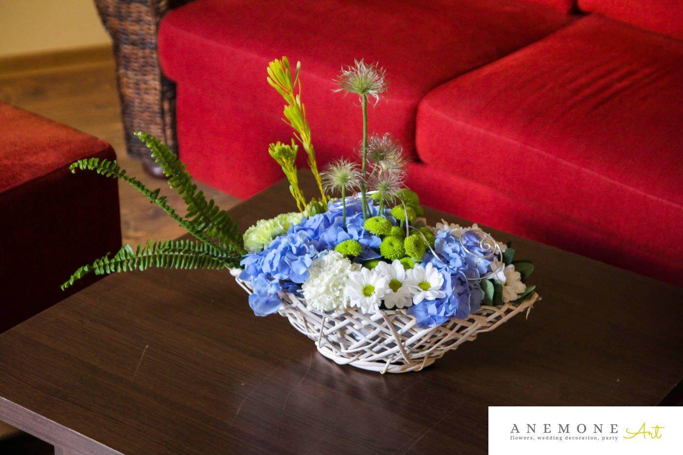 Poza, foto cu Flori de nunta alb, albastru, cos flori, crizanteme, garoafe, hortensia, verde in Arad, Timisoara, Oradea (wedding flowers, bouquets) nunta Arad, Timisoara, Oradea
