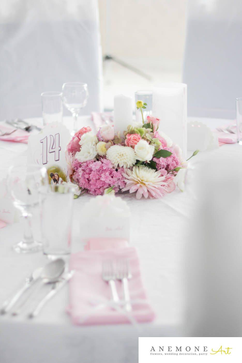 Poza, foto cu Flori de nunta alb, dalia, decor masa, hortensia, lumanare, roz, trandafiri in Arad, Timisoara, Oradea (wedding flowers, bouquets) nunta Arad, Timisoara, Oradea