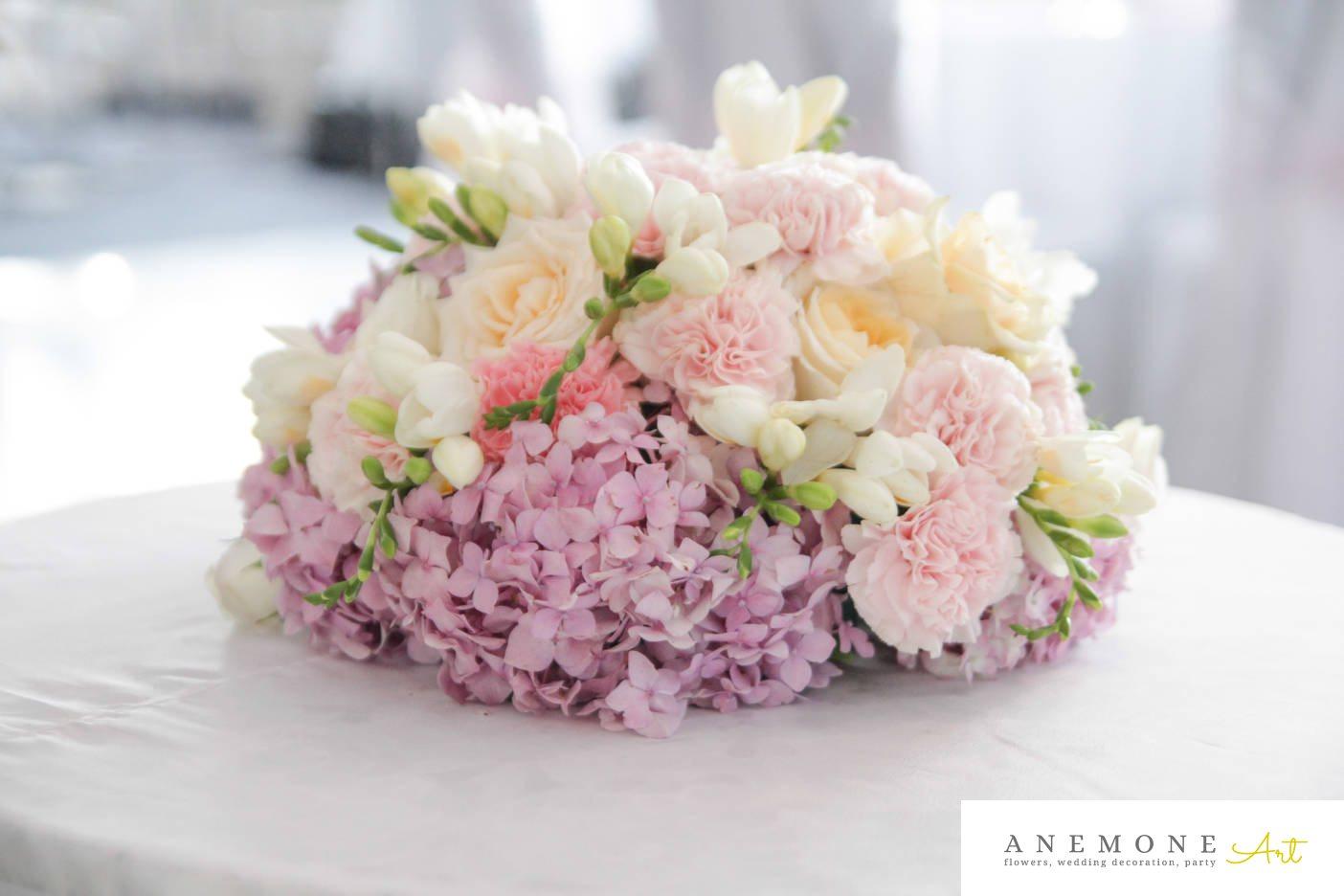 Poza, foto cu Flori de nunta alb, frezii, hortensia, roz, trandafiri in Arad, Timisoara, Oradea (wedding flowers, bouquets) nunta Arad, Timisoara, Oradea