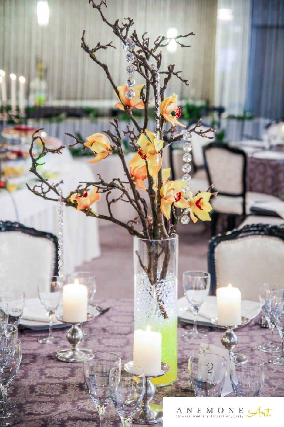 Poza, foto cu Flori de nunta crengi, cristale, decor masa, galben, orhidee in Arad, Timisoara, Oradea (wedding flowers, bouquets) nunta Arad, Timisoara, Oradea