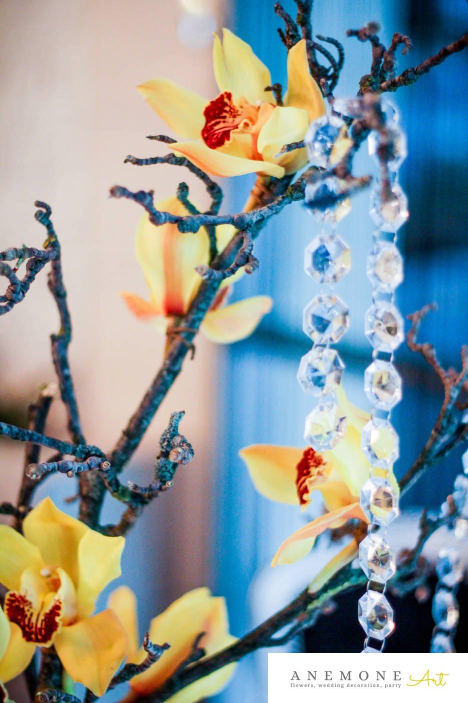 Poza, foto cu Flori de nunta crengi, cristale, decor masa, galben, lumanare, orhidee in Arad, Timisoara, Oradea (wedding flowers, bouquets) nunta Arad, Timisoara, Oradea