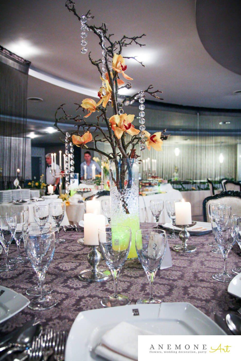 Poza, foto cu Flori de nunta crengi, cristale, decor masa, lumanare, orhidee, vaza in Arad, Timisoara, Oradea (wedding flowers, bouquets) nunta Arad, Timisoara, Oradea