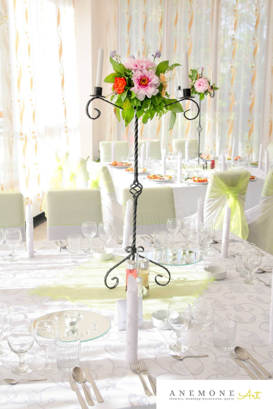 Poza, foto cu Flori de nunta bujori, decor masa, lumanare, rosu, roz, trandafiri in Arad, Timisoara, Oradea (wedding flowers, bouquets) nunta Arad, Timisoara, Oradea