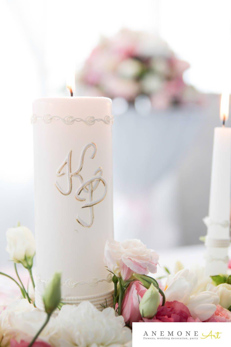 Poza, foto cu Flori de nunta alb, decor masa, frezii, lisianthus, lumanare, roz, trandafiri in Arad, Timisoara, Oradea (wedding flowers, bouquets) nunta Arad, Timisoara, Oradea