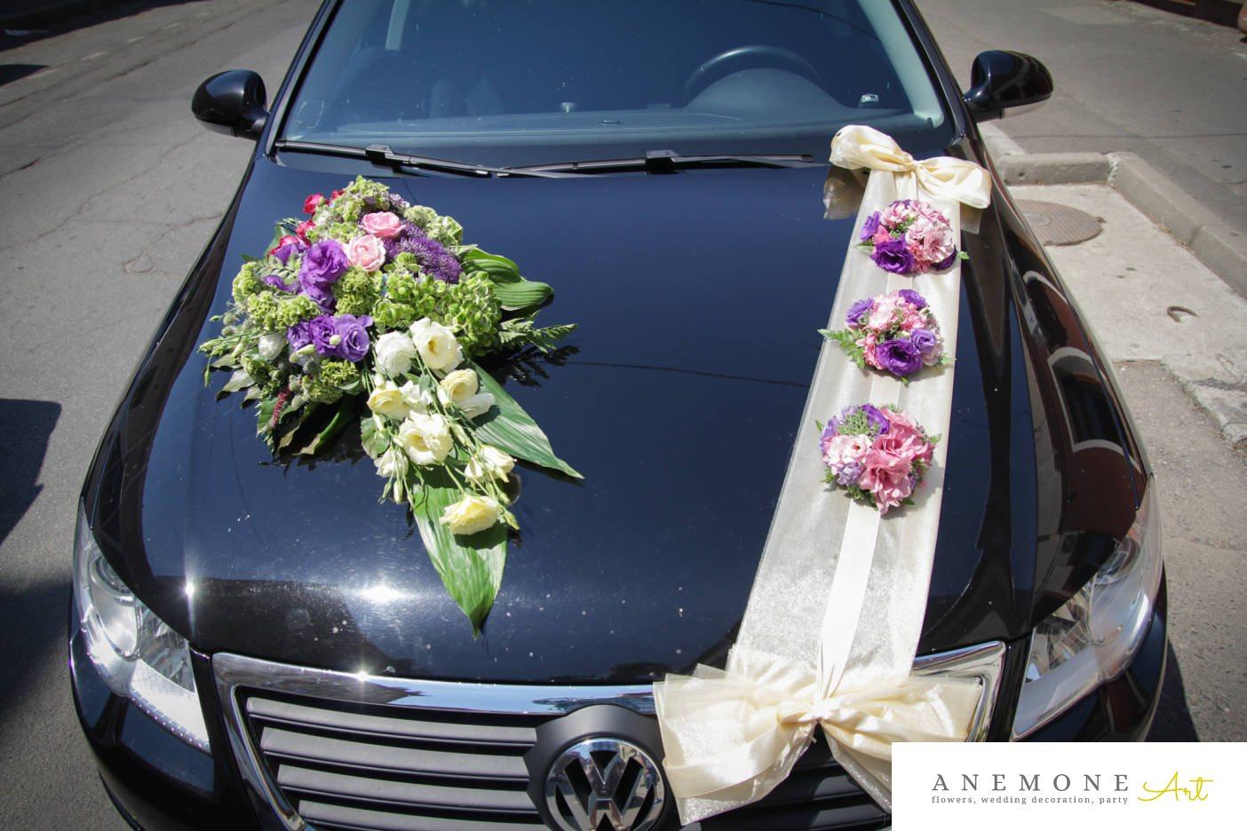 Poza, foto cu Flori de nunta alb, asimetric, decor masina, lisianthus, mov, roz, trandafiri in Arad, Timisoara, Oradea (wedding flowers, bouquets) nunta Arad, Timisoara, Oradea