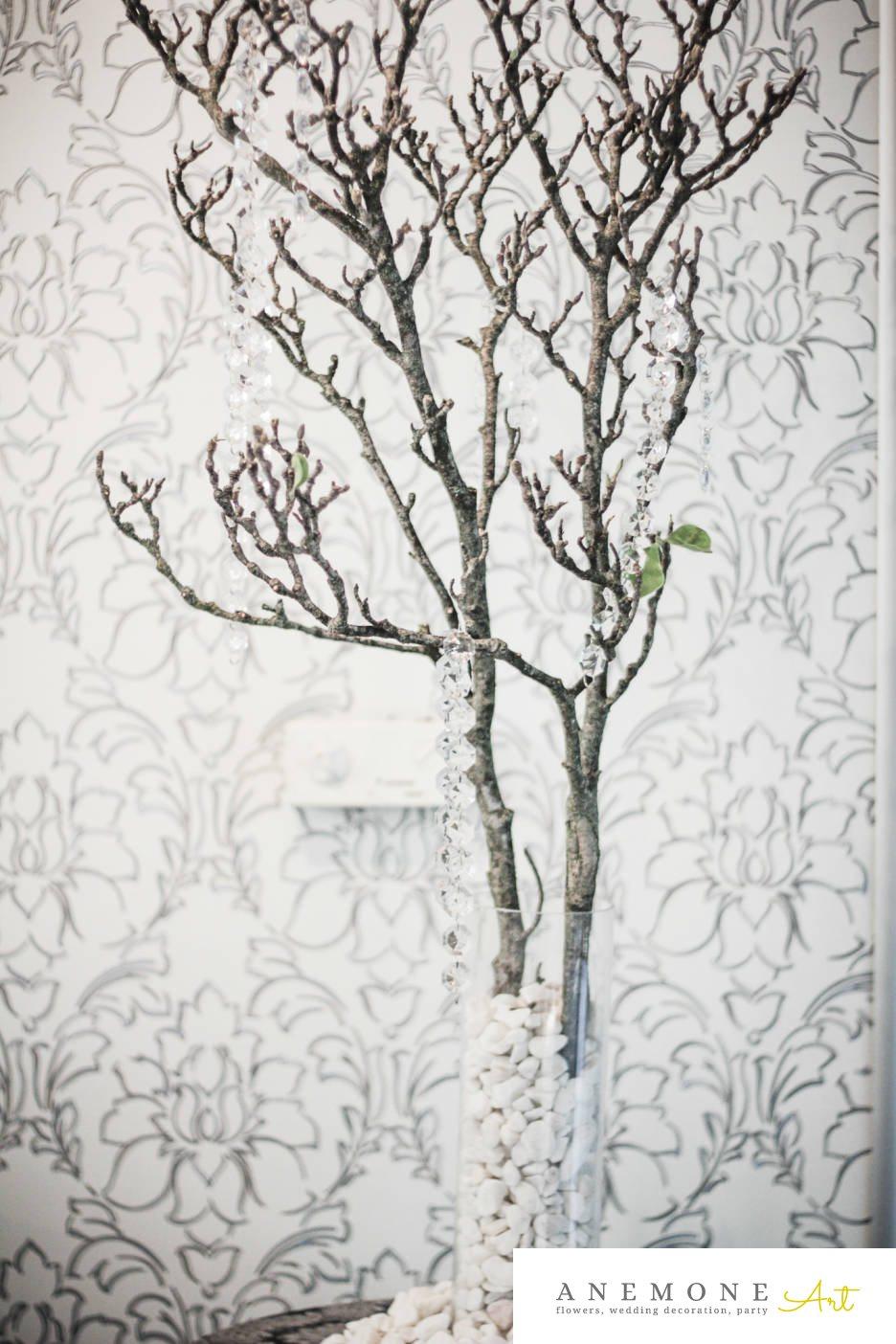 Poza, foto cu Flori de nunta alb, crengi, cristale, decor sala, hortensia, vaza in Arad, Timisoara, Oradea (wedding flowers, bouquets) nunta Arad, Timisoara, Oradea