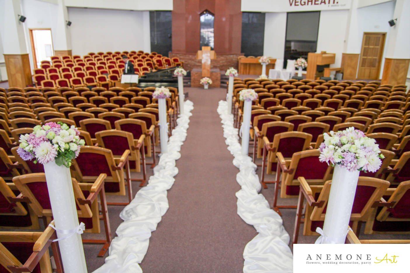 Poza, foto cu Flori de nunta decor biserica, hortensia, lisianthus in Arad, Timisoara, Oradea (wedding flowers, bouquets) nunta Arad, Timisoara, Oradea