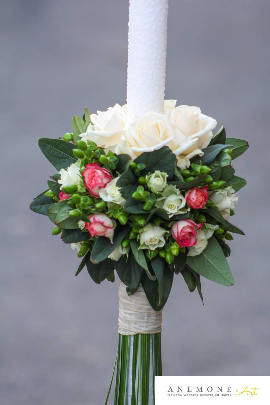 Poza, foto cu Flori de nunta alb, lumanare cununie, mini-rosa, rosu, trandafiri, verde in Arad, Timisoara, Oradea (wedding flowers, bouquets) nunta Arad, Timisoara, Oradea