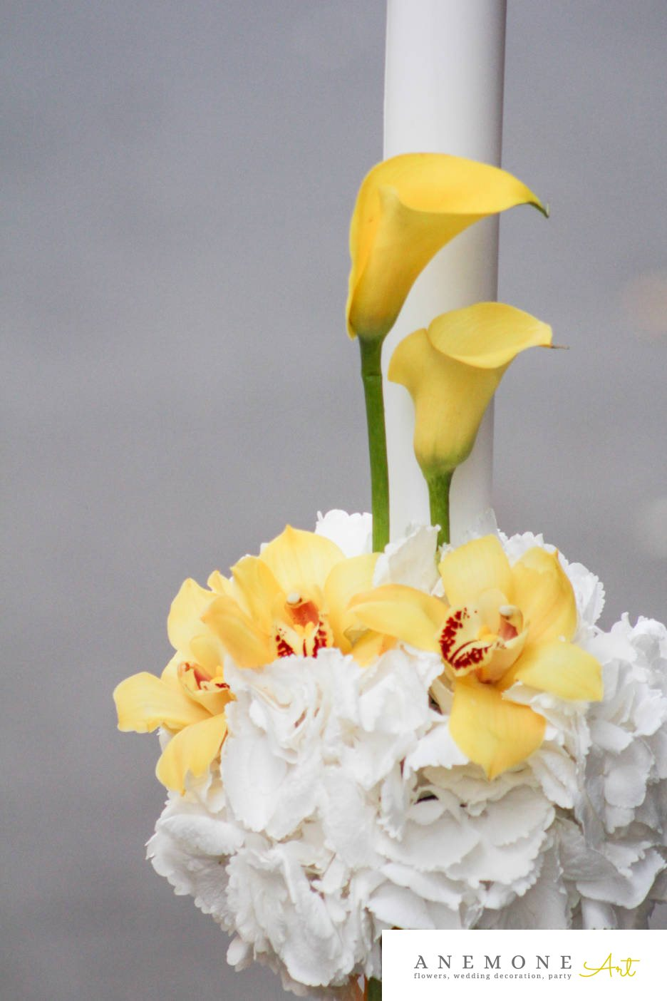 Poza, foto cu Flori de nunta alb, calla, galben, glob, hortensia, lumanare cununie, orhidee in Arad, Timisoara, Oradea (wedding flowers, bouquets) nunta Arad, Timisoara, Oradea