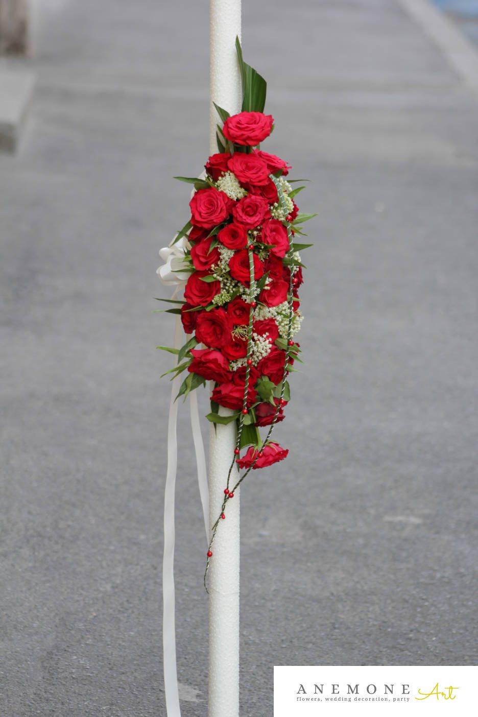 Poza, foto cu Flori de nunta alb, gipsofila, lumanare cununie, perle, rosu, trandafiri in Arad, Timisoara, Oradea (wedding flowers, bouquets) nunta Arad, Timisoara, Oradea