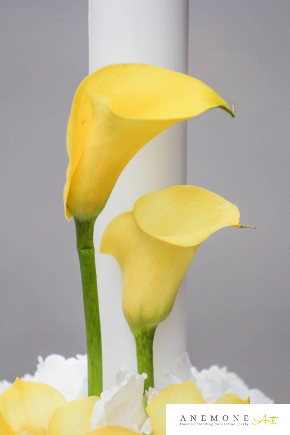Poza, foto cu Flori de nunta alb, calla, galben, hortensia, lumanare cununie in Arad, Timisoara, Oradea (wedding flowers, bouquets) nunta Arad, Timisoara, Oradea