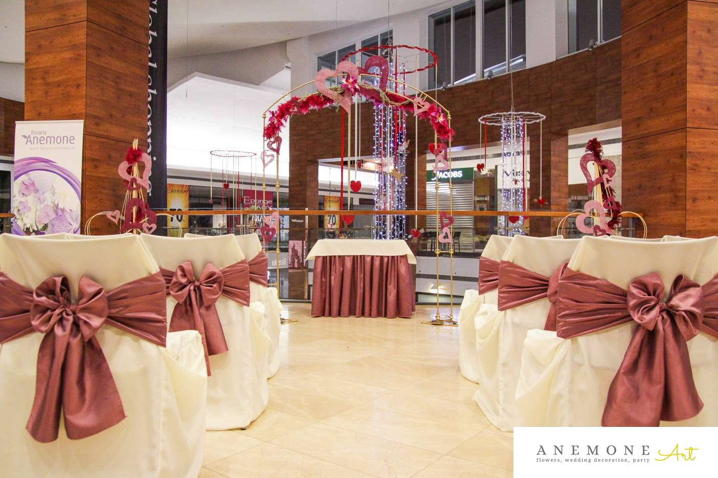 Poza, foto cu Flori de nunta anemone, decor sala, inima, rosu, roz in Arad, Timisoara, Oradea (wedding flowers, bouquets) nunta Arad, Timisoara, Oradea