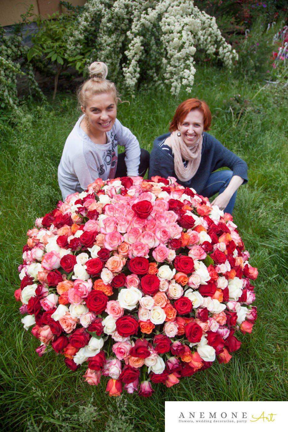 Poza, foto cu Flori de nunta alb, cos flori, rosu, roz, trandafiri in Arad, Timisoara, Oradea (wedding flowers, bouquets) nunta Arad, Timisoara, Oradea