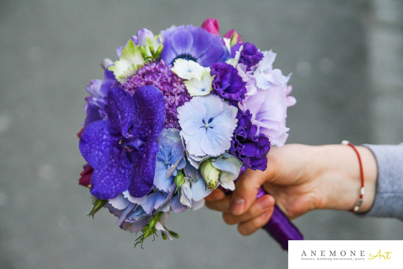 Poza, foto cu Flori de nunta albastru, buchet mireasa, hortensia, lisianthus, mov, orhidee, rotund in Arad, Timisoara, Oradea (wedding flowers, bouquets) nunta Arad, Timisoara, Oradea