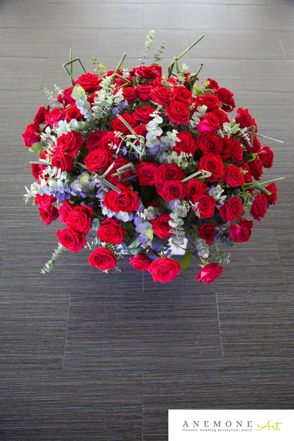 Poza, foto cu Flori de nunta cos flori, rosu, trandafiri in Arad, Timisoara, Oradea (wedding flowers, bouquets) nunta Arad, Timisoara, Oradea