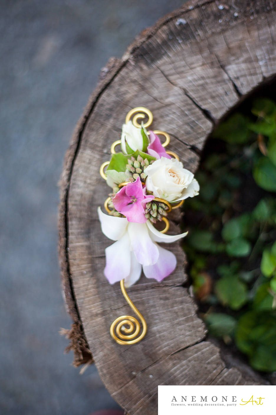 Poza, foto cu Flori de nunta alb, cocarda, frezii, hortensia, mini-rosa, roz, sebum in Arad, Timisoara, Oradea (wedding flowers, bouquets) nunta Arad, Timisoara, Oradea