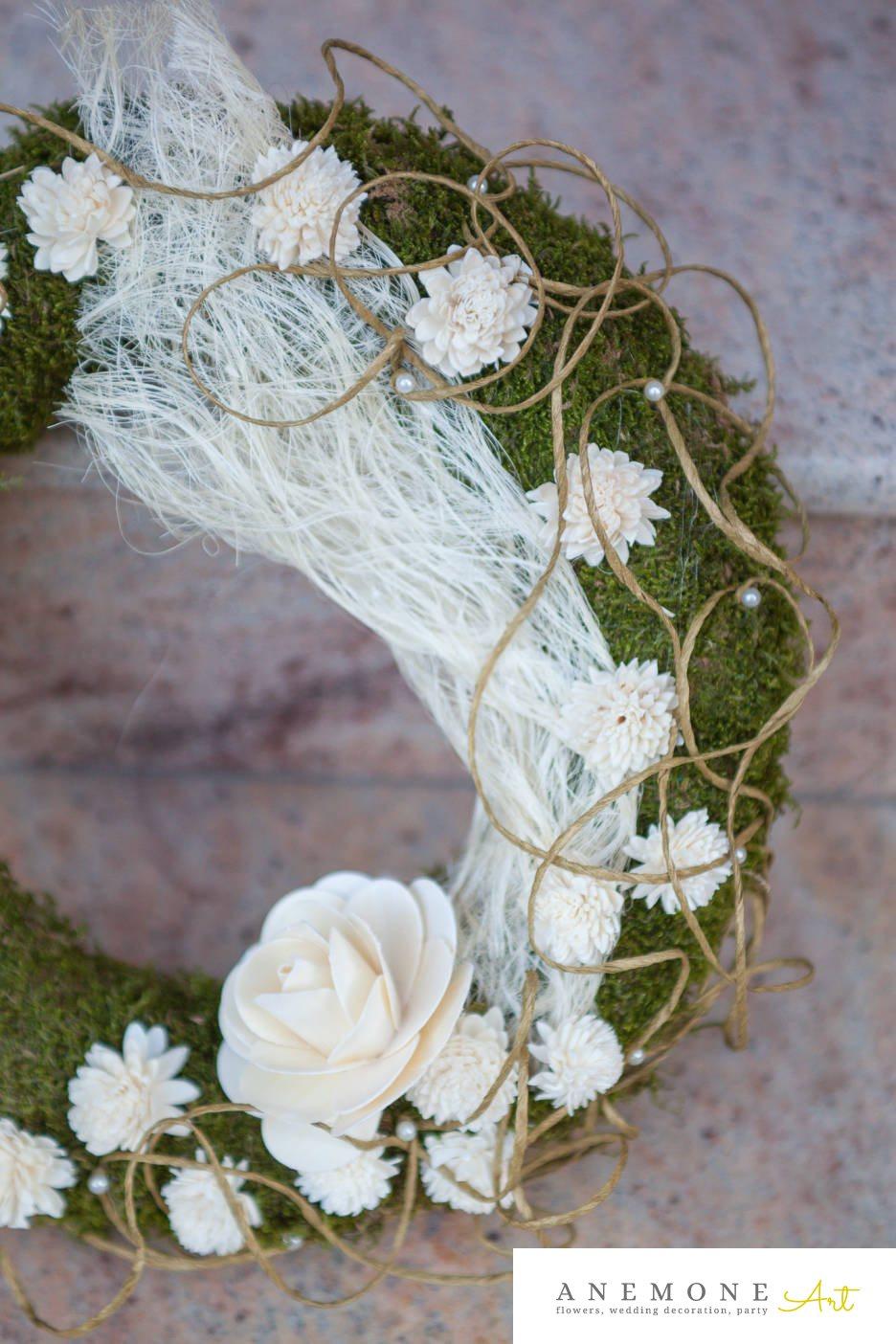 Poza, foto cu Flori de nunta alb, coroana funerara, muschi, perle, trandafiri in Arad, Timisoara, Oradea (wedding flowers, bouquets) nunta Arad, Timisoara, Oradea