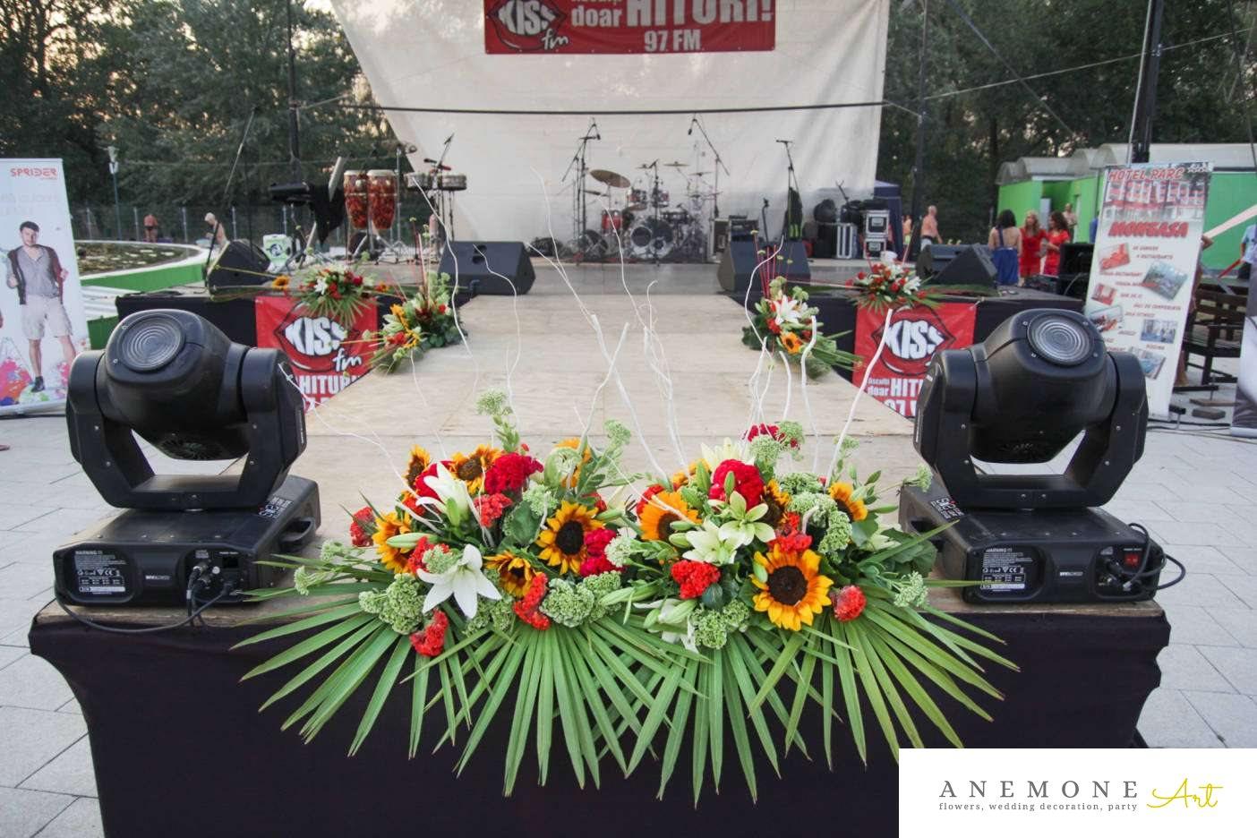 Poza, foto cu Flori de nunta decor scena in Arad, Timisoara, Oradea (wedding flowers, bouquets) nunta Arad