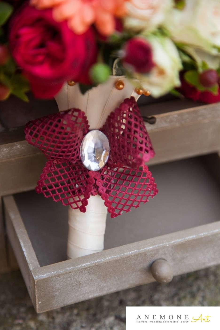 Poza, foto cu Flori de nunta dantela, maner buchet, rosu, trandafiri in Arad, Timisoara, Oradea (wedding flowers, bouquets) nunta Arad, Timisoara, Oradea