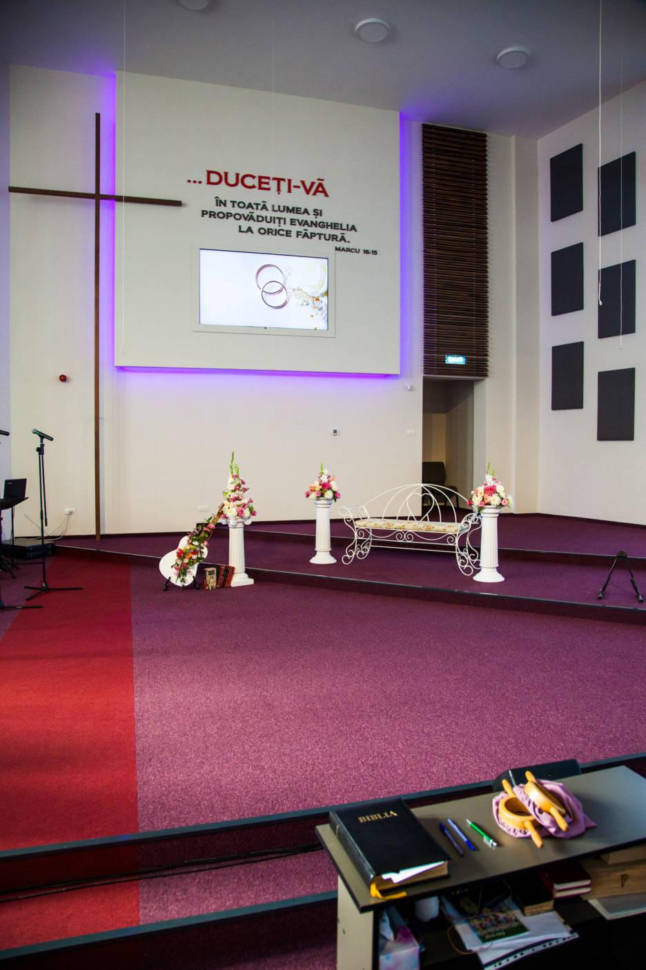 Poza, foto cu Flori de nunta decor biserica in Arad, Timisoara, Oradea (wedding flowers, bouquets) nunta Arad, Timisoara, Oradea