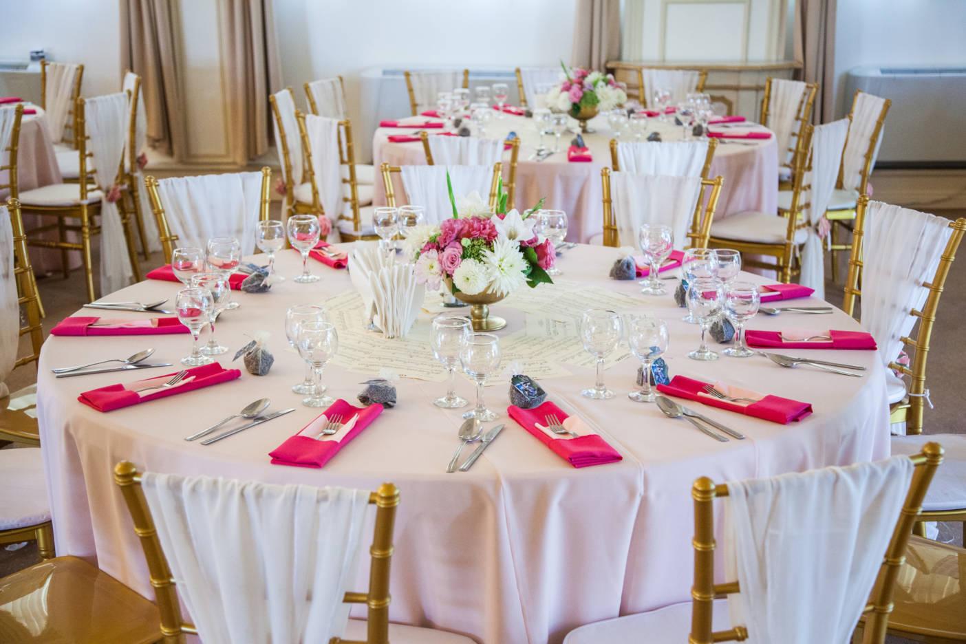 Poza, foto cu Flori de nunta castel domeniul lupas, decor masa in Arad, Timisoara, Oradea (wedding flowers, bouquets) nunta Arad, Timisoara, Oradea
