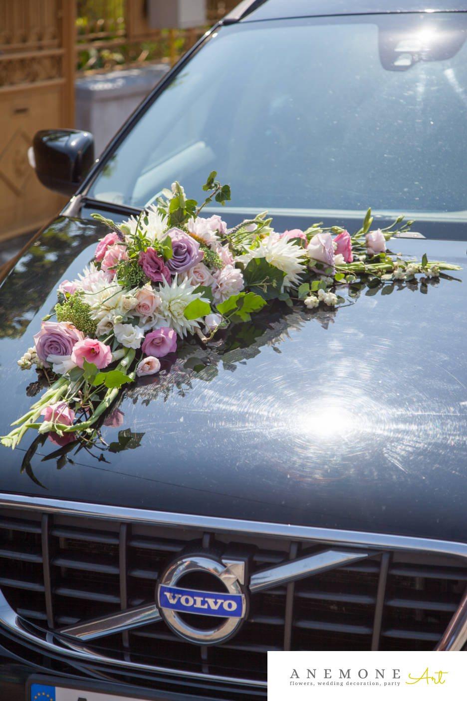 Poza, foto cu Flori de nunta decor masina, tabiet events arad in Arad, Timisoara, Oradea (wedding flowers, bouquets) nunta Arad